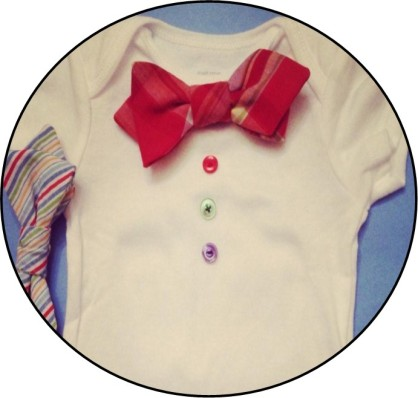 Not to neglect the Junior Dapper Gentlemen, Button also has a line of onesies that include two pre-tied, snap on bow ties.